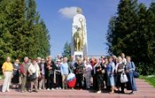 Жители блокадного Ленинграда, ныне проживающие в городе Калининграде, совершили экскурсию в город Багратионовск, посвятив её 75-летию начала блокады Ленинграда