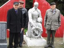 В преддверии 75-летия освобождения Калинина от немецко-фашистских захватчиков члены Тверского областного Союза ветеранов решили проинспектировать все воинские захоронения города