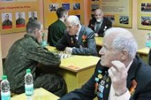 """Сахалинская областная организация """"Российский Союз ветеранов"""" совместно с командованием cоединения организовали и провели шахматный блиц-турнир, посвящённый защитникам Отечества"""