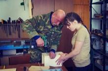 Активисты Вологодского регионального отделения Российского Союза ветеранов рассказывали детям о войне и мастерили с ними скворечники