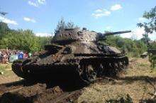Александр Николаевич Юрасов из Воронежа сообщает, что в Павловском районе из Дона поднят затонувший в 1942 году средний танк Т-34
