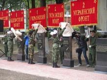 В канун 75-летия освобождения от немецко-фашистских захватчиков городов Калининской области Западная Двина и Торопец  открыты Аллеи Героев Советского Союза