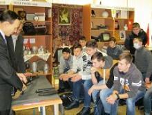 Ветераны Тульской области используют  экспозиции школьного краеведческого музея в военно-патриотической  и оборонно-спортивной работе с допризывной молодёжью