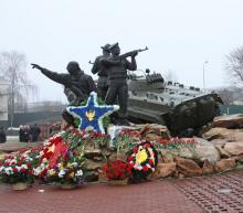 В Орле организован пост Почетного караула №2 у памятника участникам локальных войн и военных конфликтов