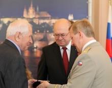 Вручение российским ветеранам войны юбилейных медалей от Республики Чехия