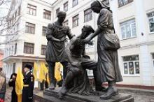 Члены Тульского отделения Российского Союза ветеранов приняли участие в торжественной церемонии открытии памятника военным врачам в городе Туле