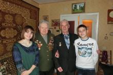 В Туле школьники навестили ветерана - полного кавалера орденов Славы