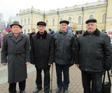 Члены Вологодского регионального отделения Российского Союза ветеранов в День народного единства приняли участие в шествии в столице области Вологде