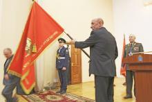 Вологжанам вручили именное знамя