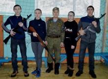 В Шибылгинской СОШ Канашского района Чувашской Республики прошли соревнования по юнармейскому троеборью